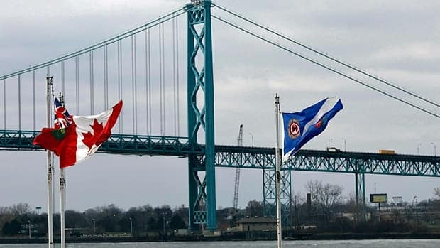 wdr-620-ambassador-bridge-flags-cp004663251-credit-brent-foster