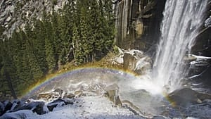 300-yosemite-falls-01007550