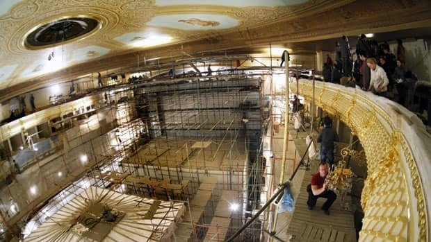 The big hall of the Bolshoi Theatre in Moscow is being restored to its czarist-era glory, but with improved technology.