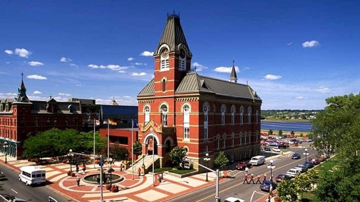 Fredericton restoring city hall - New Brunswick - CBC News