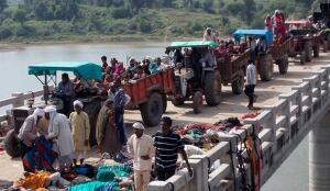 India Hindu bridge stampede