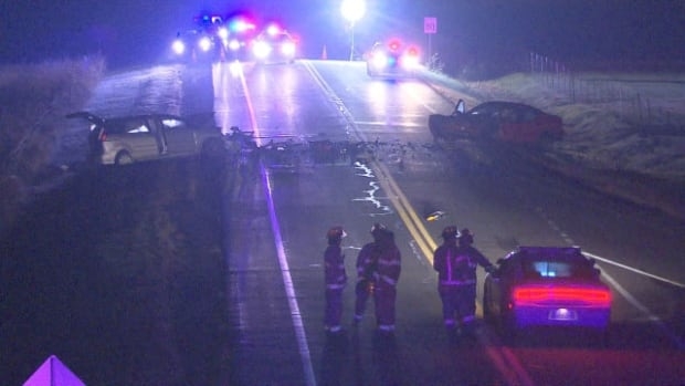 An overnight collision in Varennes left one man dead and another seriously  injured.