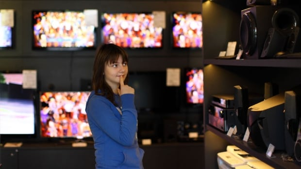 The federal government says it wants to give Canadian consumers more choice by allowing them to select which TV channels they subscribe to rather than buying large packages of bundled channels, most of which they won't watch.