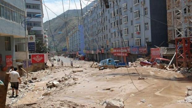 china-584-mudslides-cp-9175