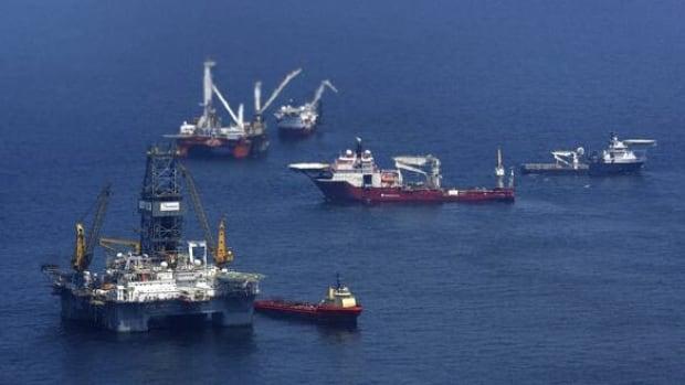 w-platforms-oil-cp-RTR2DMS7