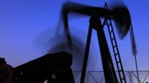 tp-blurred-pumpjacks-cp-8698515