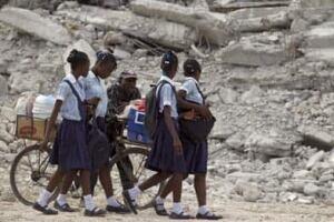haiti-schoolgirls8433864