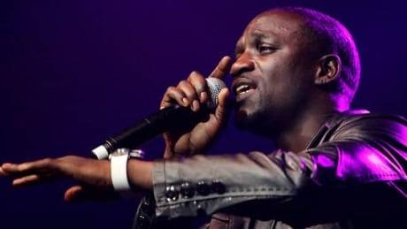 Rapper Akon brings new music, solar-powered message to Ottawa