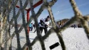306-hockey-day-cp100130