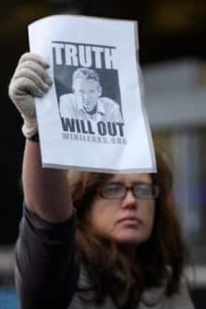 wikileak-protest-cp-9867958-220x330