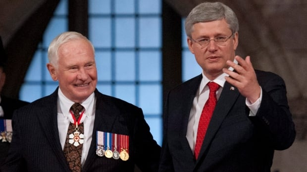 Prime Minister Stephen Harper will face 17 vacant seats in the Senate by year's end. What obligation does he - or Gov. Gen. David Johnston - have to fill them?