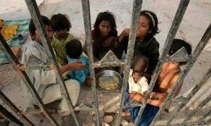 w-pakistan-flood-cp-9275330