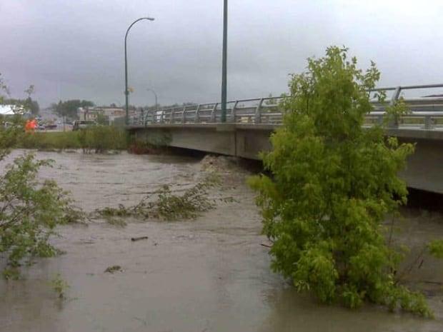 cgy-cardston-rain-bridge