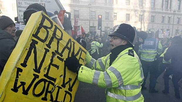 w-london-protests-rtxvkgb