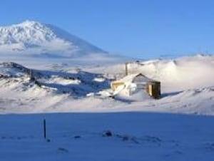 antarctic-hut220x166
