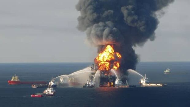 w-bp-deepwater-fire-cp-rtr2