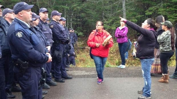 N.B. protest turns violent