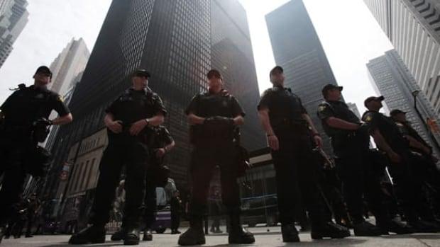 g20-reuters-cops