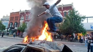 g20-w-protester