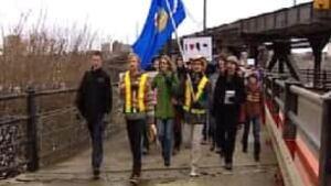 tp-edm-university-protest-bridge-march