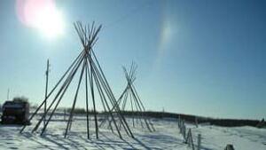 sk-teepee-poles-100225