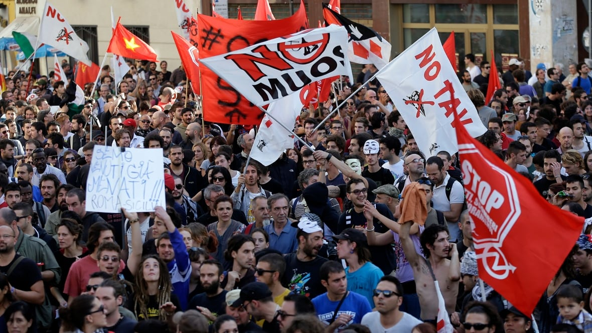 Italy anti-austerity protests draw thousands to Rome ...