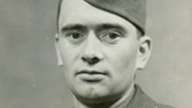 Family members have been told that full U.S. military honours are expected for Lawrence Gordon, who served as a private in the U.S. Army and died in 1944 in Normandy.