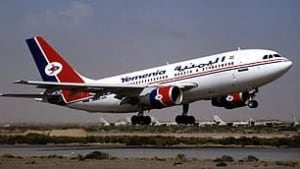 tp-yemenia2-plane-reut-306