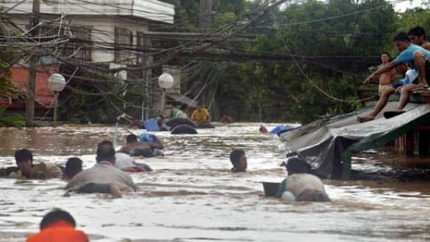 w-philippines-flooding-cp-7392539
