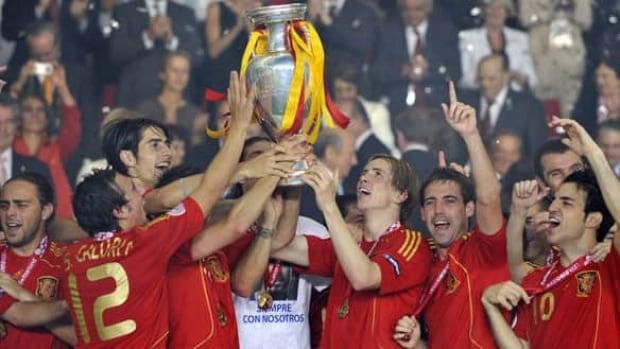 spain-euro-final-xl-080630g