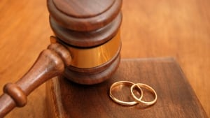 Wedding rings gavel
