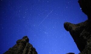 si-300-perseid-meteor-2011-rtr2pw92