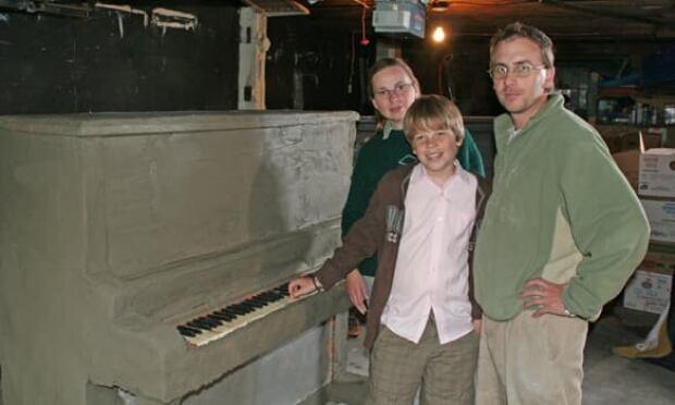 ottawa-091016-concrete-piano-banner