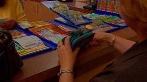 gambling-woman-purse-buying