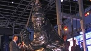 macinnis-statue-091008-306