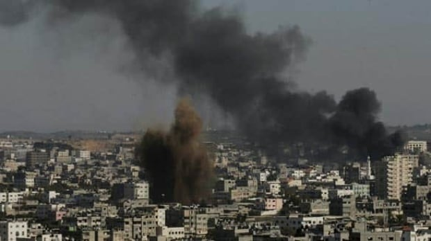 gaza-burns-cp-w6048186