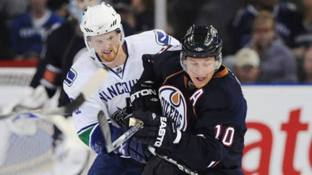 horcoff-sedin-getty-080924