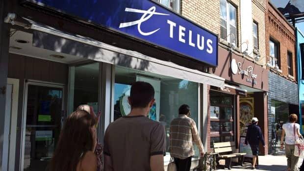 Telus takeover of Public Mobile