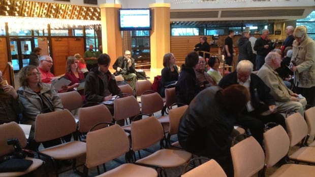 Two dozen people attend a public meeting on Wednesday, Oct. 23, 2013, to discuss Thunder Bay's infrastructure priorities.