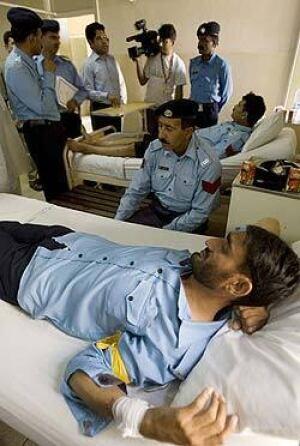 police-injured-250-5657004