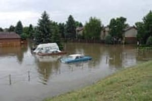 lethbridge-flooded-hill