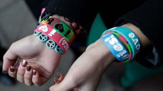 The case started in 2010 when two girls, Brianna Hawk and Kayla Martinez, challenged the school's ban on the bracelets designed to promote breast cancer awareness among young people.