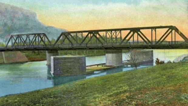 This photo illustration shows the James Street swing bridge shortly after it was built by the Grand Trunk Railway in 1908.