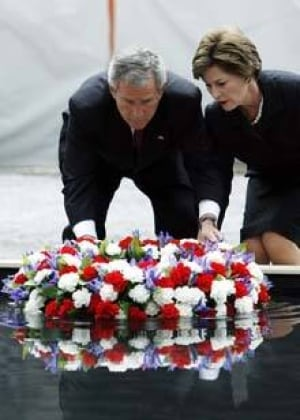 bush-911-wreath_cp_10710401