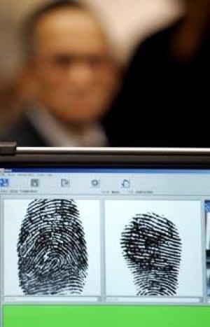 fingerprint_cp_6442941