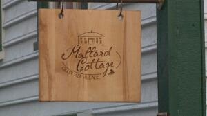Mallard Cottage sign