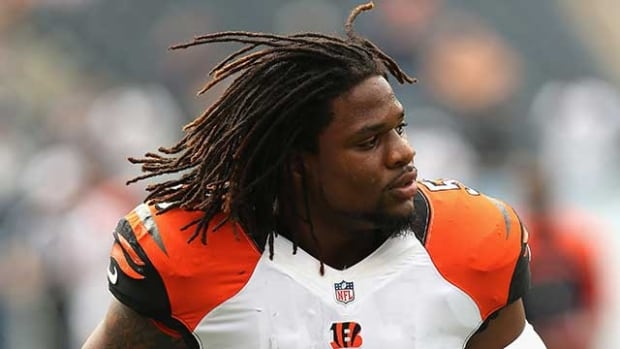 Cincinnati Bengals linebacker Vontaze Burfict was fined $21,000 US by the NFL on Friday.