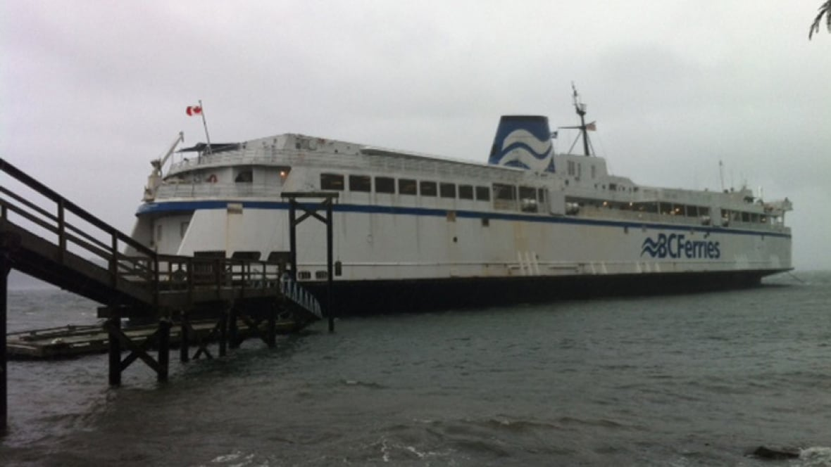 B C Ferry Crashes Leaving Mayne Island British Columbia Cbc News