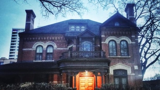Dalnavert Museum closed abruptly just before Labour Day. The downtown mansion was the one-time home of former Manitoba premier Sir Hugh John McDonald, who was the son of Canada's first prime minister, Sir John A. Macdonald.