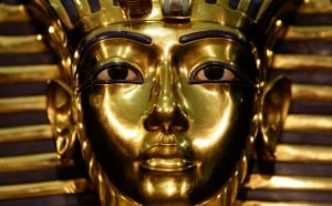 tutankhamen s mysterious death As daughter of egyptian queen nefertiti and akhenaten, one of the most famous rulers in the land of pharaohs, one would expect ankhesenamun to enjoy a comf.